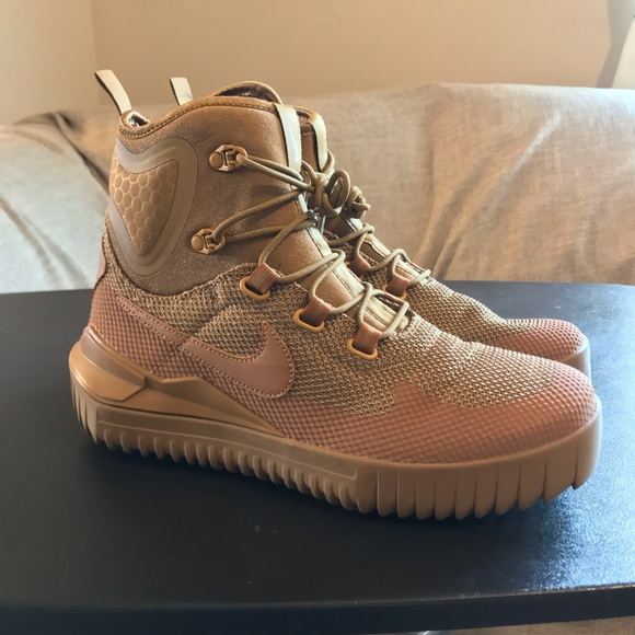 Nike Air Wild Mid Boots Brown   Poshmark